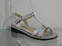 Молодежные удобные кожаные женские босоножки серебро, фото 1