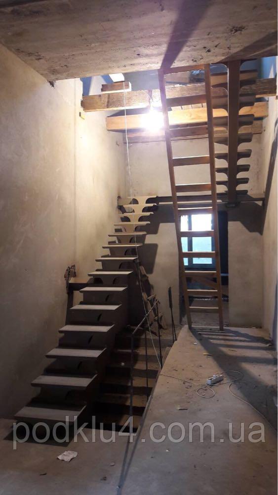 Каркас лестницы на прямом косоуре