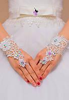 Красивые кружевные перчатки для невесты или для игр