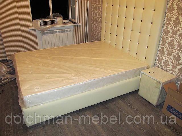 Кровать с высоким изголовьем из кожзама =КОРОЛЕВСКАЯ=