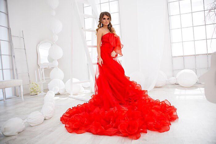 4cd9b5b00a03ace Шикарное длинное красное платье