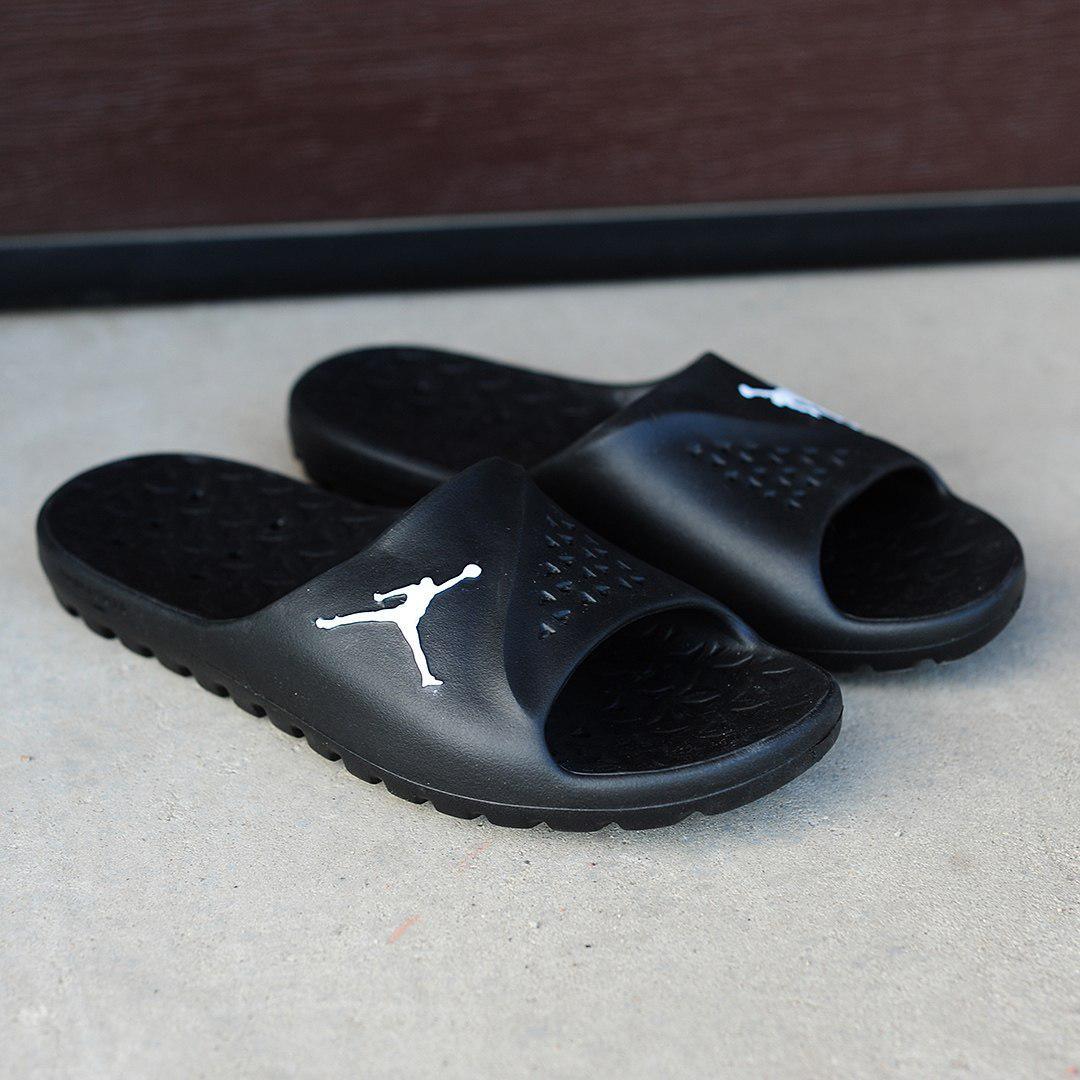 0ba156f1 Чёрные мужские тапочки Nike Air Jоrdan (реплика): продажа, цена в ...