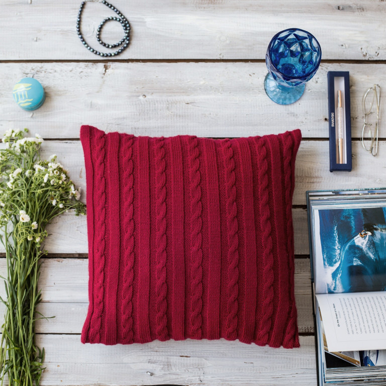 Подушка декоративная Vividzone КЛАССИК 40х40 красный