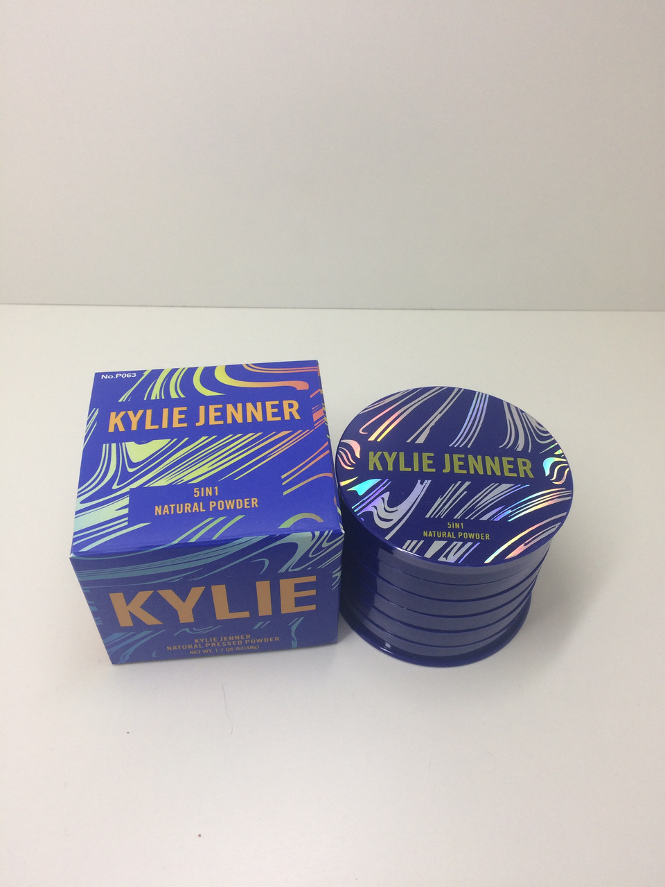 Компактная пудра для лица Kylie Jenner Natural Powder 5in1