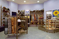 Стеллаж для магазина одежды. Оборудование магазина одежды. Торговое оборудование для одежды, фото 1