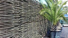 Оформление зоны отдыха на крыше здания, декоративный забор 4