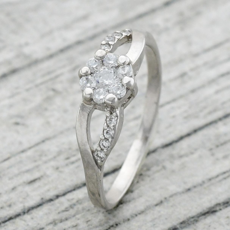 """Серебряное кольцо """"Альтегра"""", вставка белые фианиты, вес 2.46 г, размер 17"""