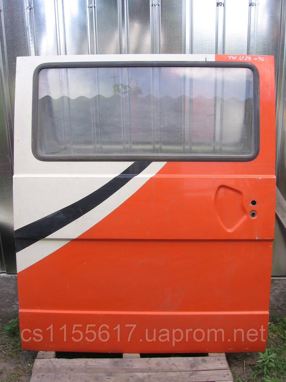 Дверь сдвижная боковая б/у на VW LT28 год 1975-1996