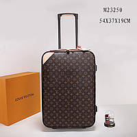 Дорожный чемодан на колесах Louis Vuitton