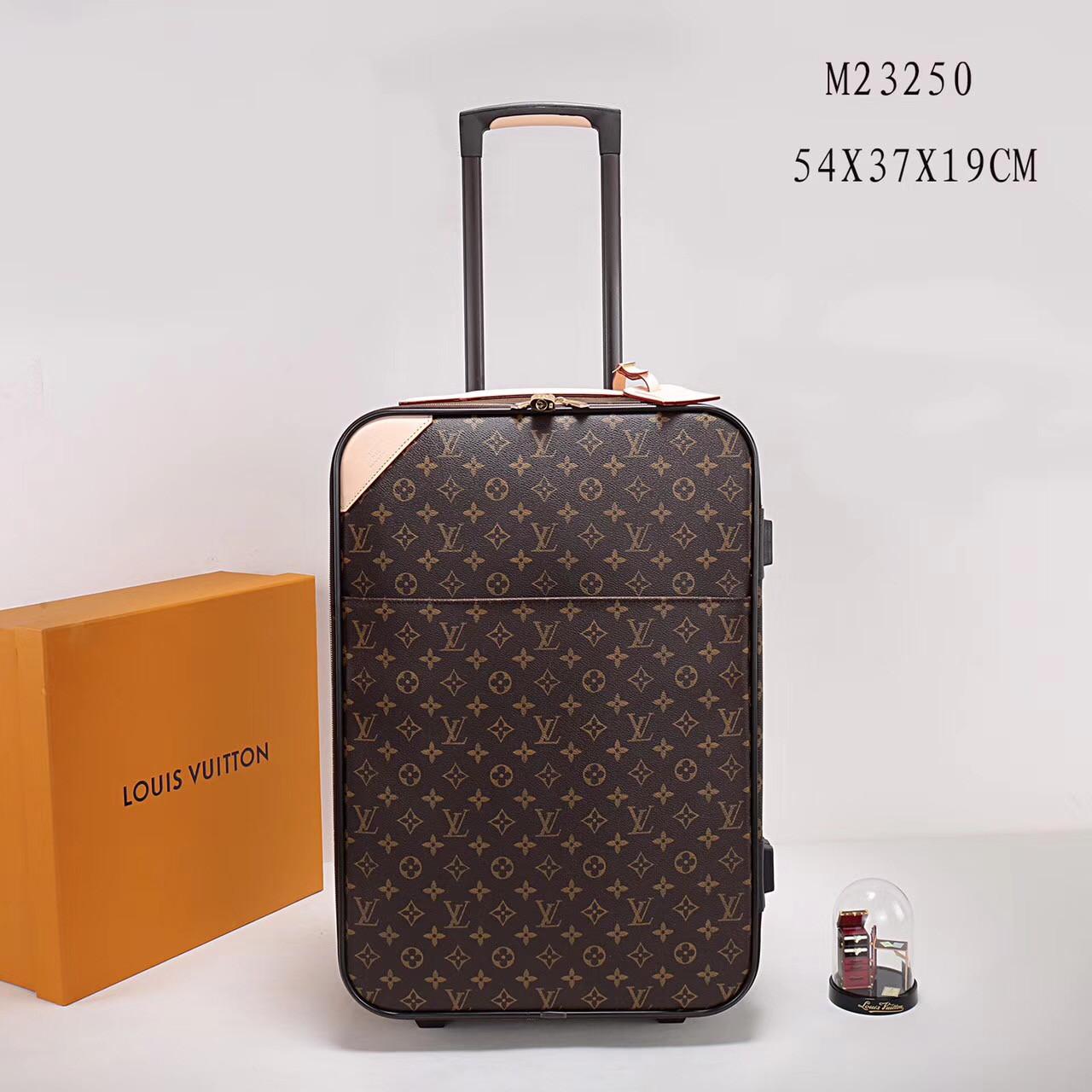 Дорожный чемодан на колесах Louis Vuitton купить недорого в интернет ... 285d055f2a1