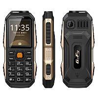 GOFLYS70002.0дюймов3800mAhOTG фонарик FM MP3 Внешнийаккумулятор Dual SIM Outdooors Мобильныйтелефон