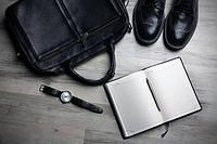 Чоловічі ділові шкіряні сумки для документів. Особливості вибору