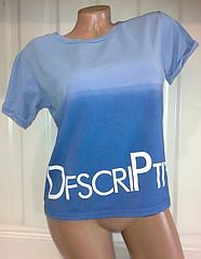 Стильная голубая футболочка