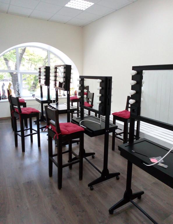 Мобильные студии для визажистов (для Школы визажа Наталии Найды) 2