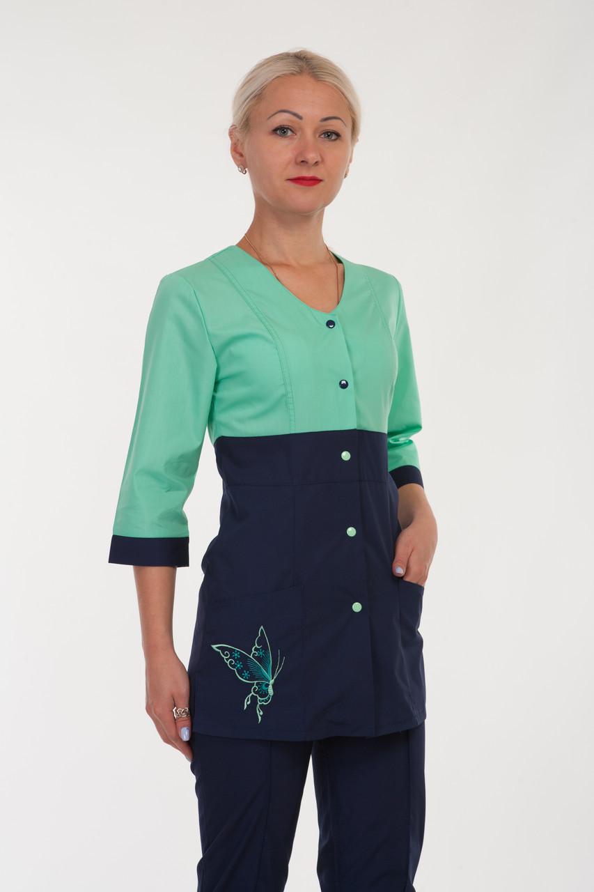 Медичний жіночий костюм на кнопках з вишивкою батист 40-60р. Хелслайф