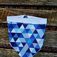 Слюнявчик бандана синий треугольник