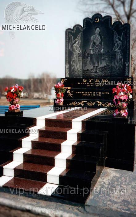 Памятник из черного гарнита