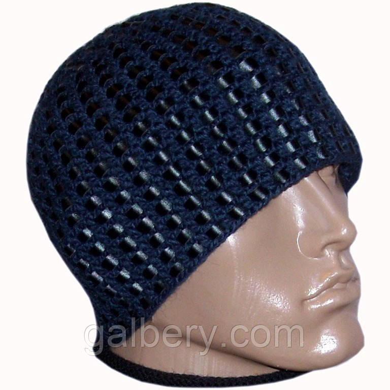 Мужская вязаная зимняя шапка c элементами кожи синего цвета