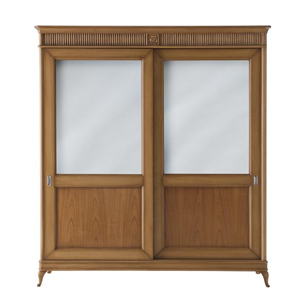 Классический шкаф с зеркалами