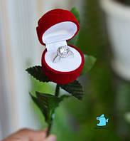 """Подарочная коробочка """"Бархатная красная роза""""."""