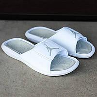 Белые тапочки Nike Air Jordan  (копия)