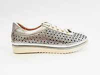 Кожаные женские летние спортивные туфли с перфорацией Foletti 10-17