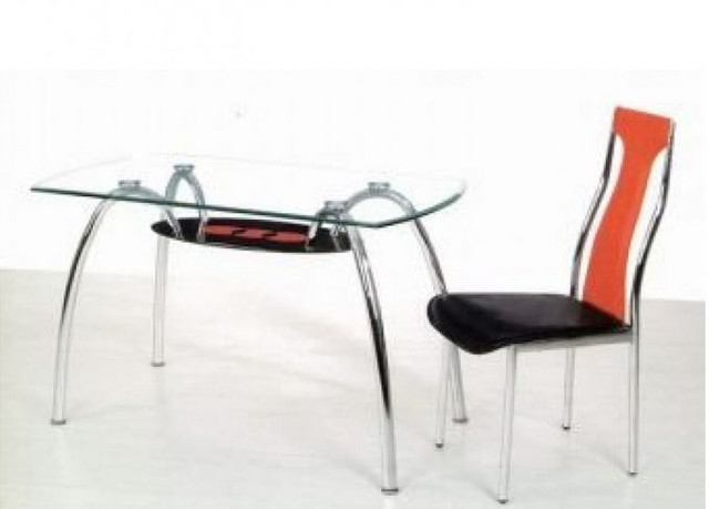 Стол обеденный С-32 (TB156) Хром закалённое стекло в интерьере.