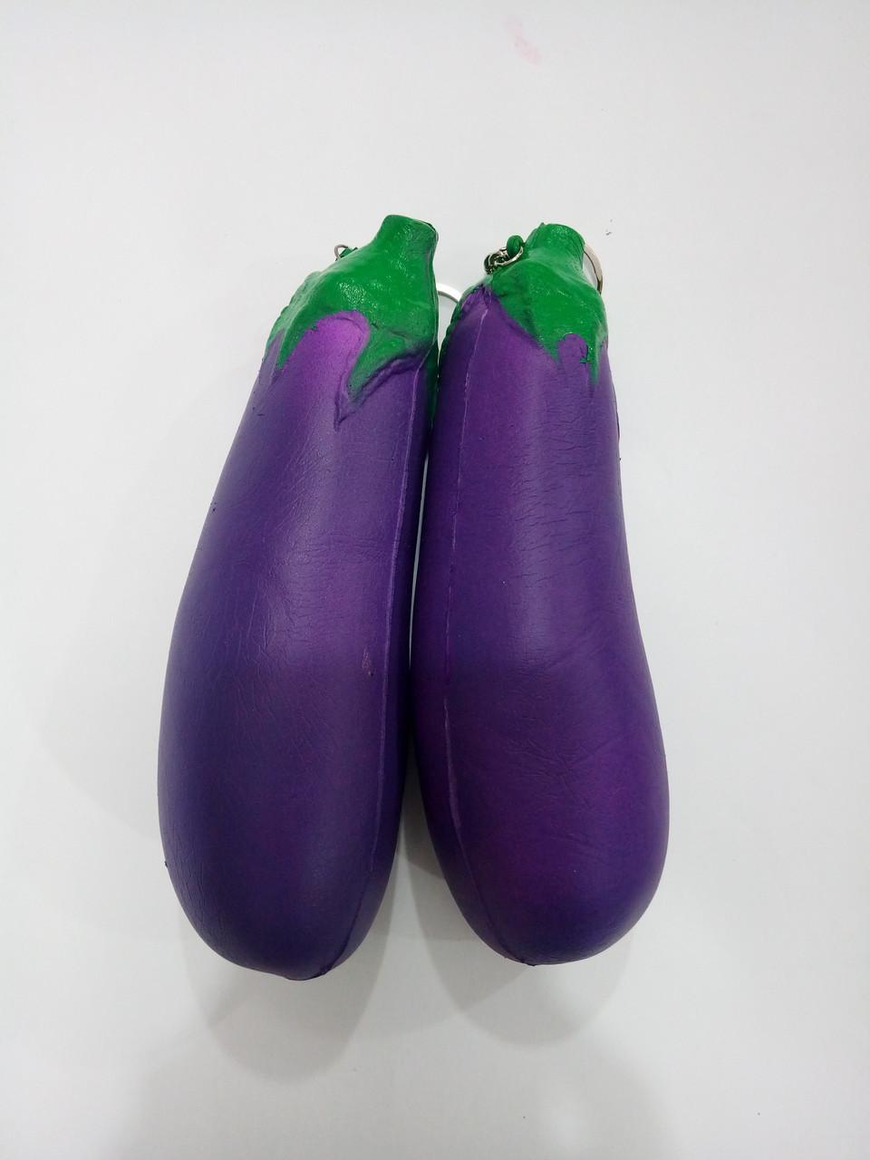 Антистресс-игрушка Сквиши Баклажан брелок 19 см