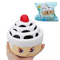 Клубничный многослойный торт Squishy 12.5 * 12.5CM Медленный рост с подарком коллекции упаковки Soft Toy