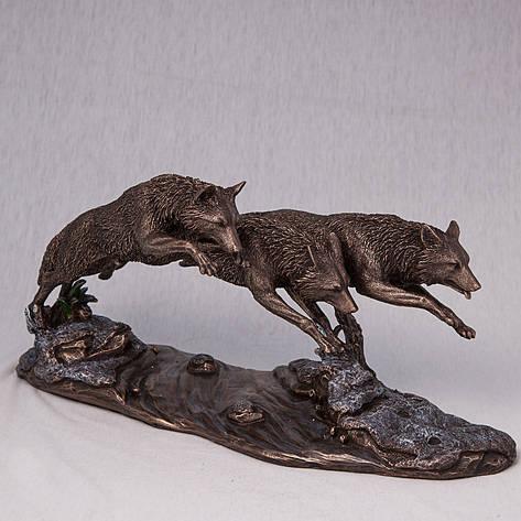 Статуэтка Волки в погоне Veronese (37*18 см) 73125A4 Италия, фото 2