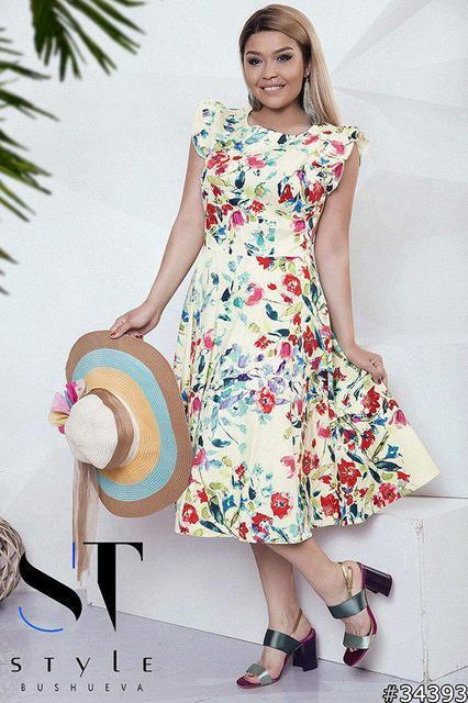 Легкое платье с расклешенной юбкой Размеры: 48 - 50, 52 - 54