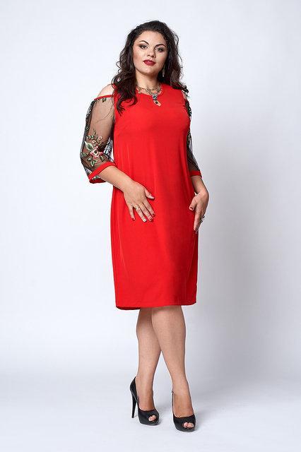 Ошатне плаття, прикрашене вишивкою, для пишних форм 52-58