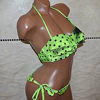 Качественный женский купальник светло-зеленого цвета в черный горох на завязках с кисточками, размер S