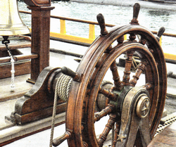 Рынды, колокола и морская тематика