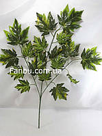 Искусственная ветка клена 65см(листья темно зеленые с салатовым), фото 1