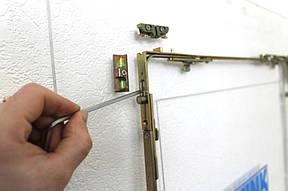 Ремонт фурнитуры пластикового окна. Если фурнитура окна не подлежит регулировке, её нужно менять или ремонтировать.