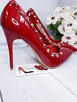 Красные женские туфли в стиле Валентино с шипами, фото 1