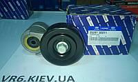 Ролик натяжения ремня генератора в сборе KIA Magentis, Carnival, Opirus 25281-3E011