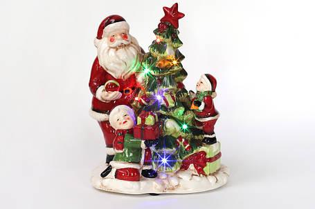 Декоративная музыкальная статуэтка Санта у елки с LED-подсветкой 28см (2 режима - подсветка и подсветка с музыкой) 827-415, фото 2