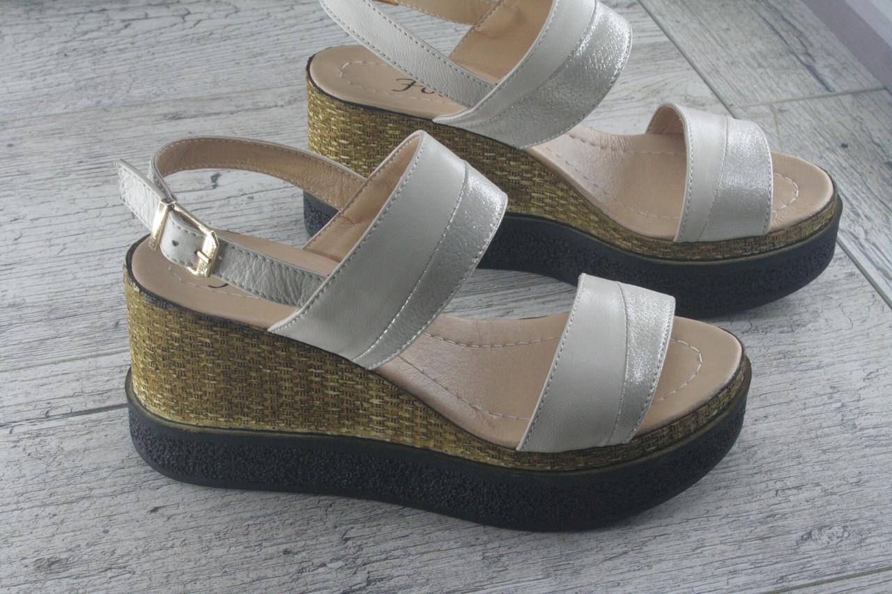 Босоножки, сандалии  женские на танкетке из натуральной кожи Foot Step, обувь летняя, открытая, Украина