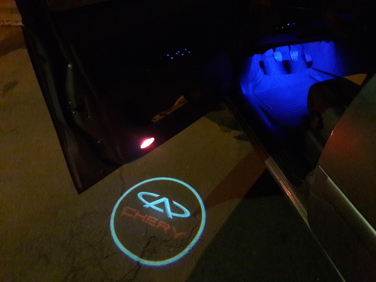 Подсветка логотипа авто на двери Chery