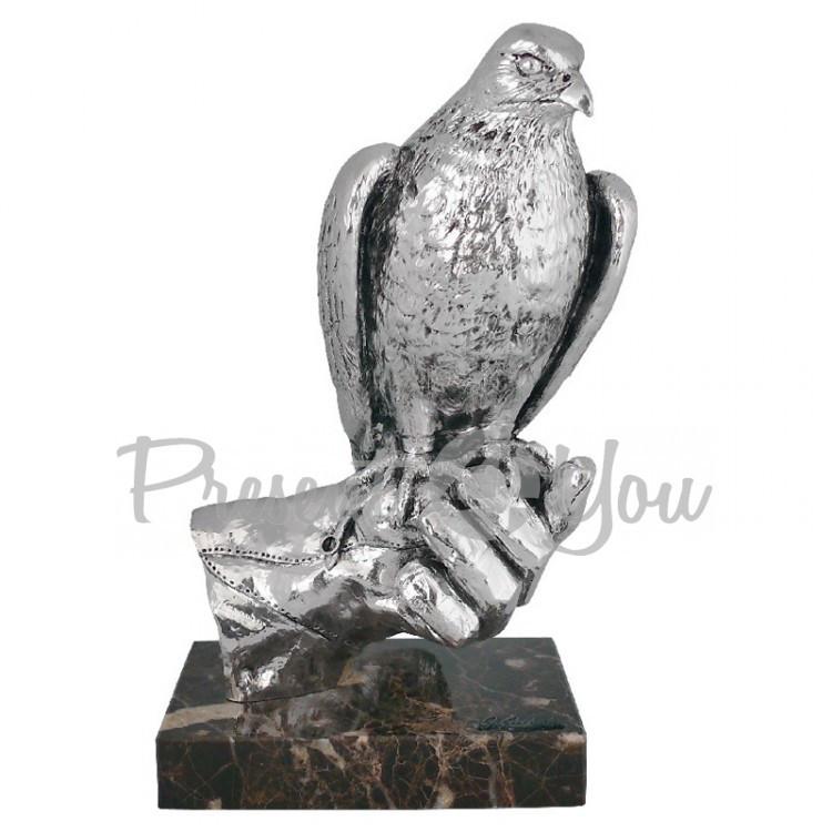 Скульптура из керамики посеребренная «Сокол на руке» Anglada, 17x13x31 см