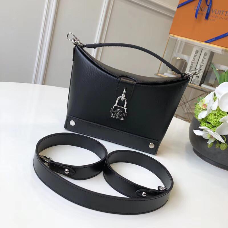 Женская сумка от Louis Vuitton