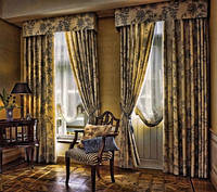Римские шторы на окно, с карнизом и тканью