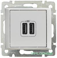 Розетка USB Valena (белая) 770470