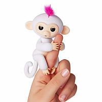 Интерактивная ручная обезьянка Wow Wee Fingerlings Белая (1237)