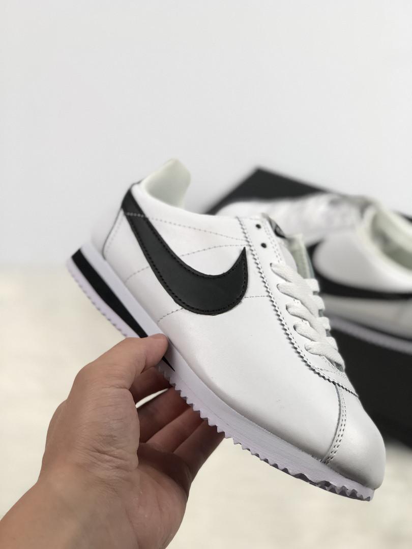 Женские кроссовки Nike Cortez топ реплика