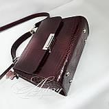 """Жіноча бордова сумка LAURA зі шкіри з тисненням """"крокодил"""", фото 2"""