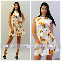 Расклешенное платье с цветами