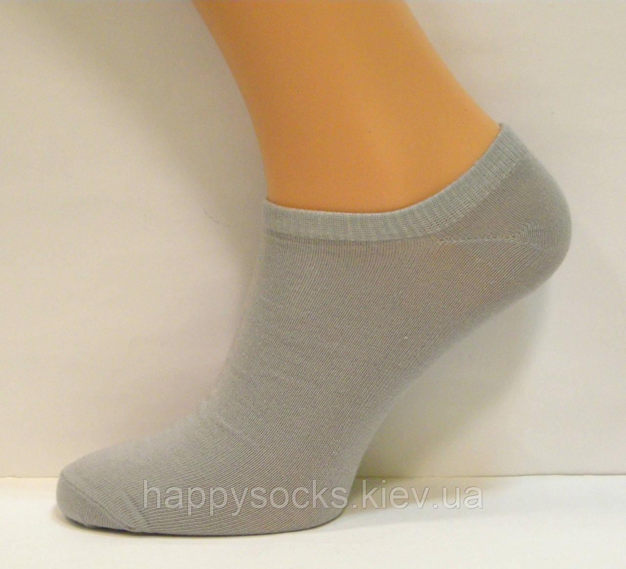 Низкие мужские носки серого цвета